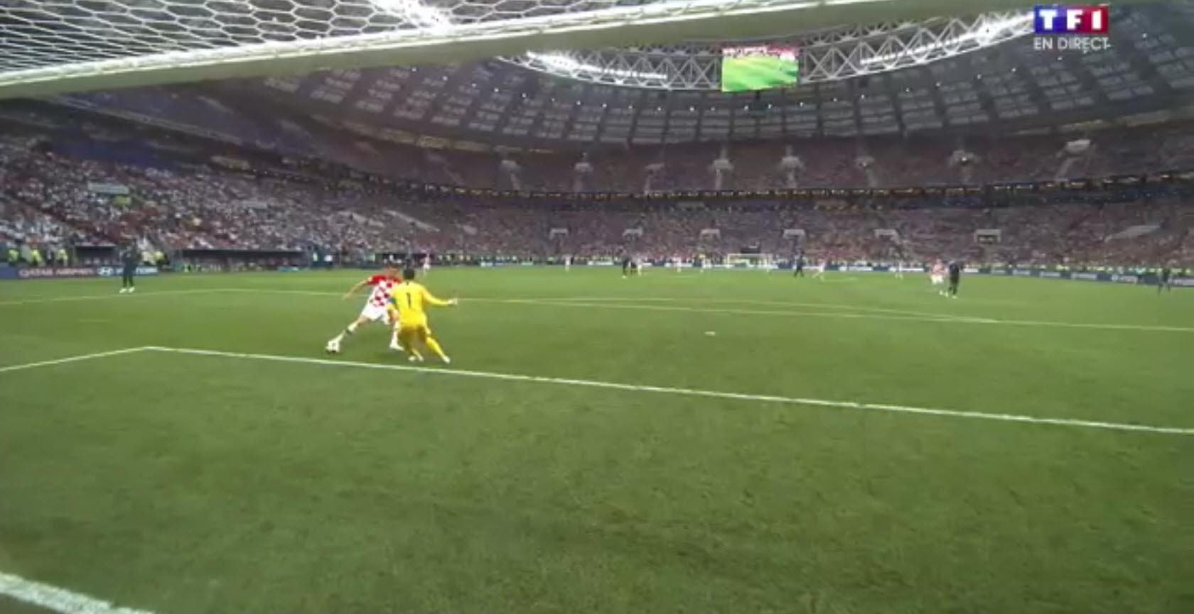 La boulette de Hugo Lloris qui laisse passer un but à la Coupe du Monde 2018